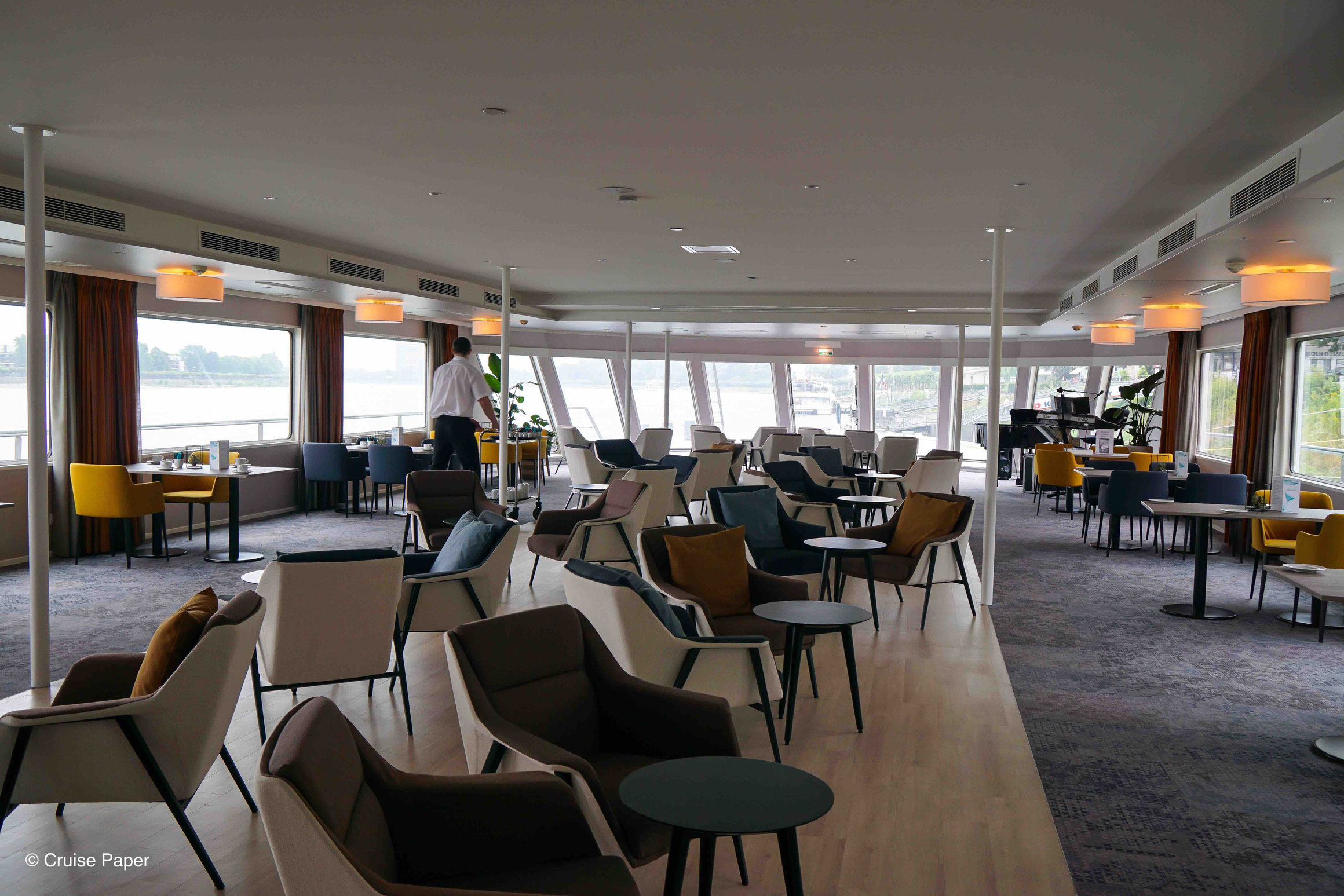 MS Viola Panorama Lounge