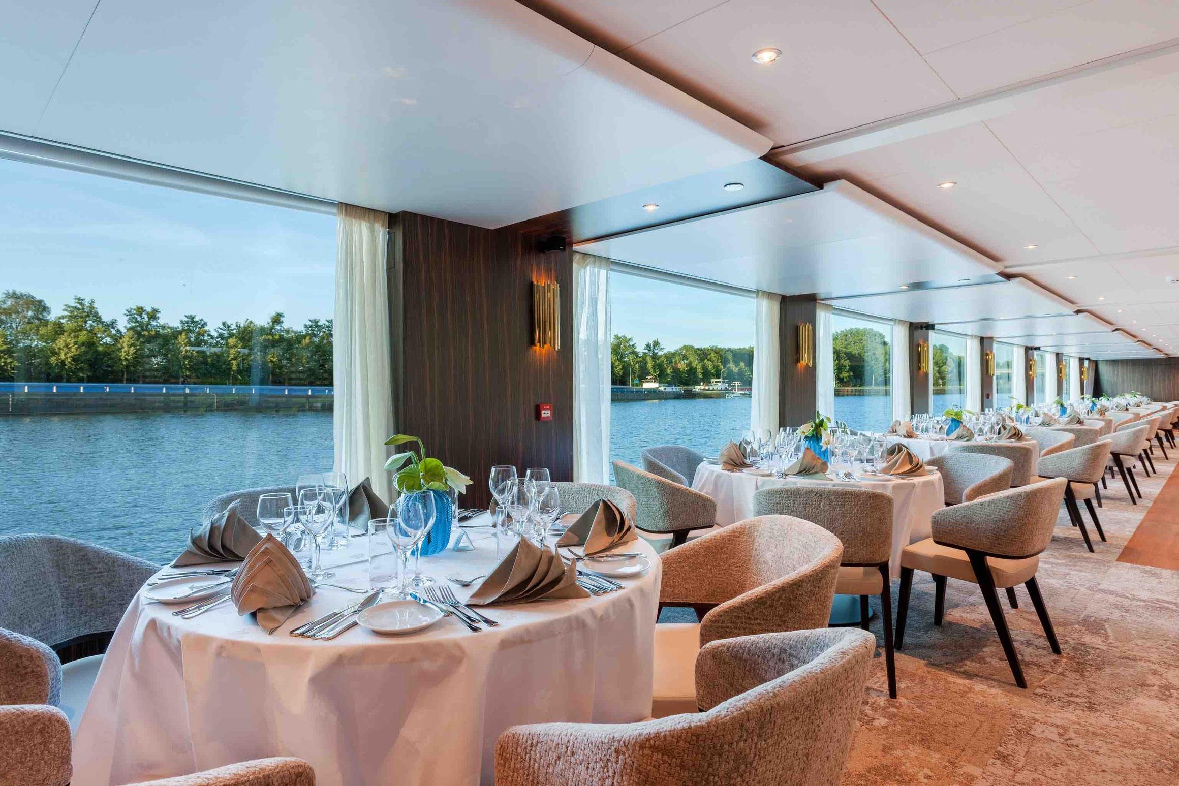 MS AMADEUS Imperial Panorama Restaurant