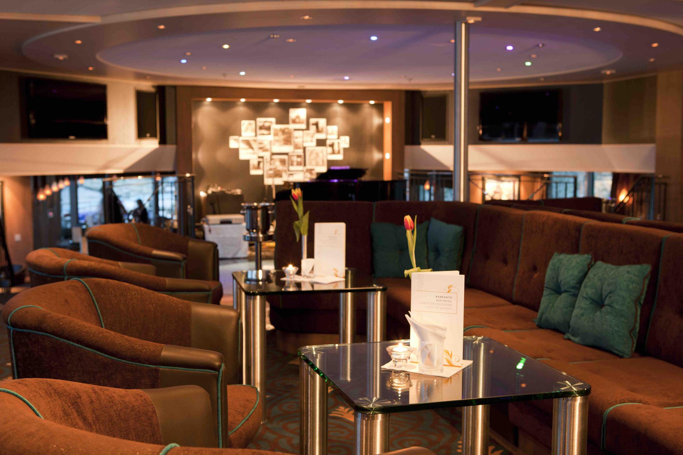MS Alina Panorama Lounge mit Bar