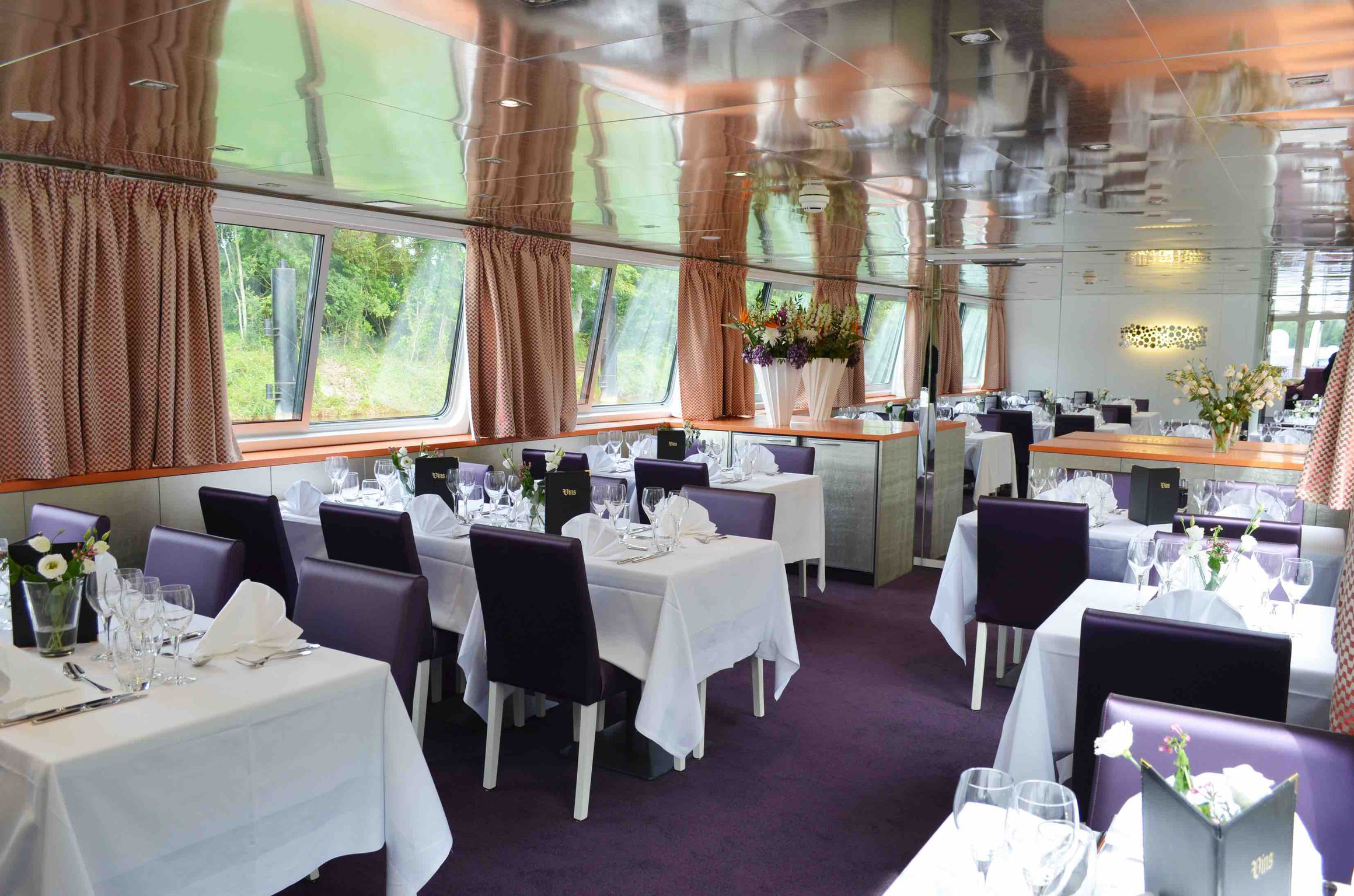 MS Raymonde Restaurant