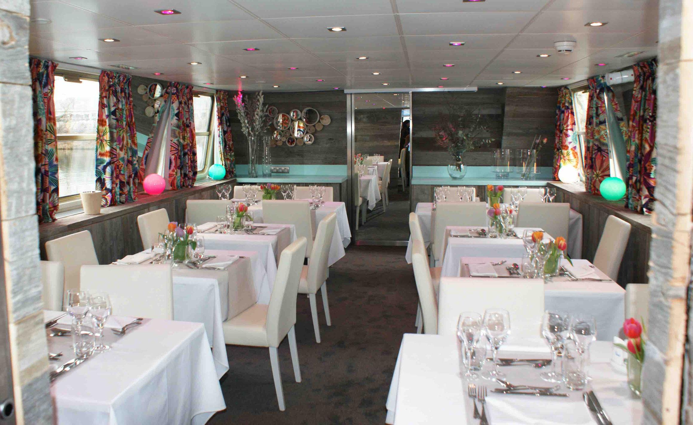 MS Jeanine Restaurant