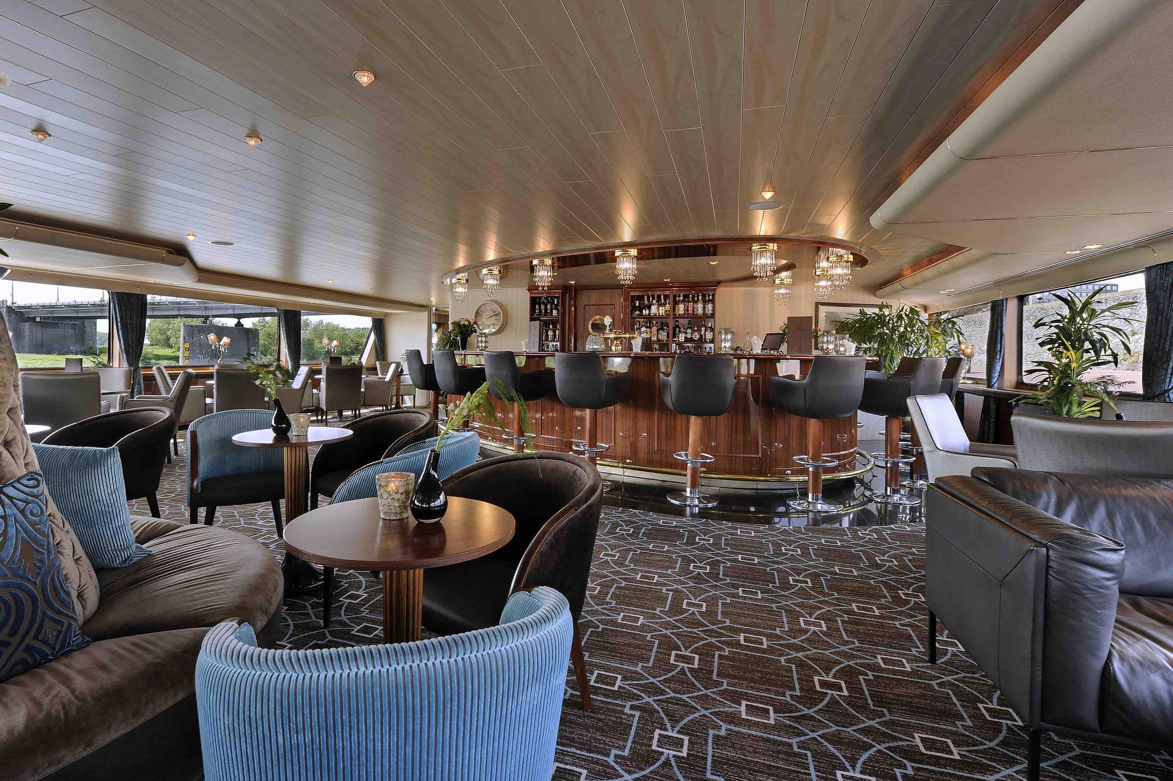 Boutique MPS Crucevita Lounge mit Bar