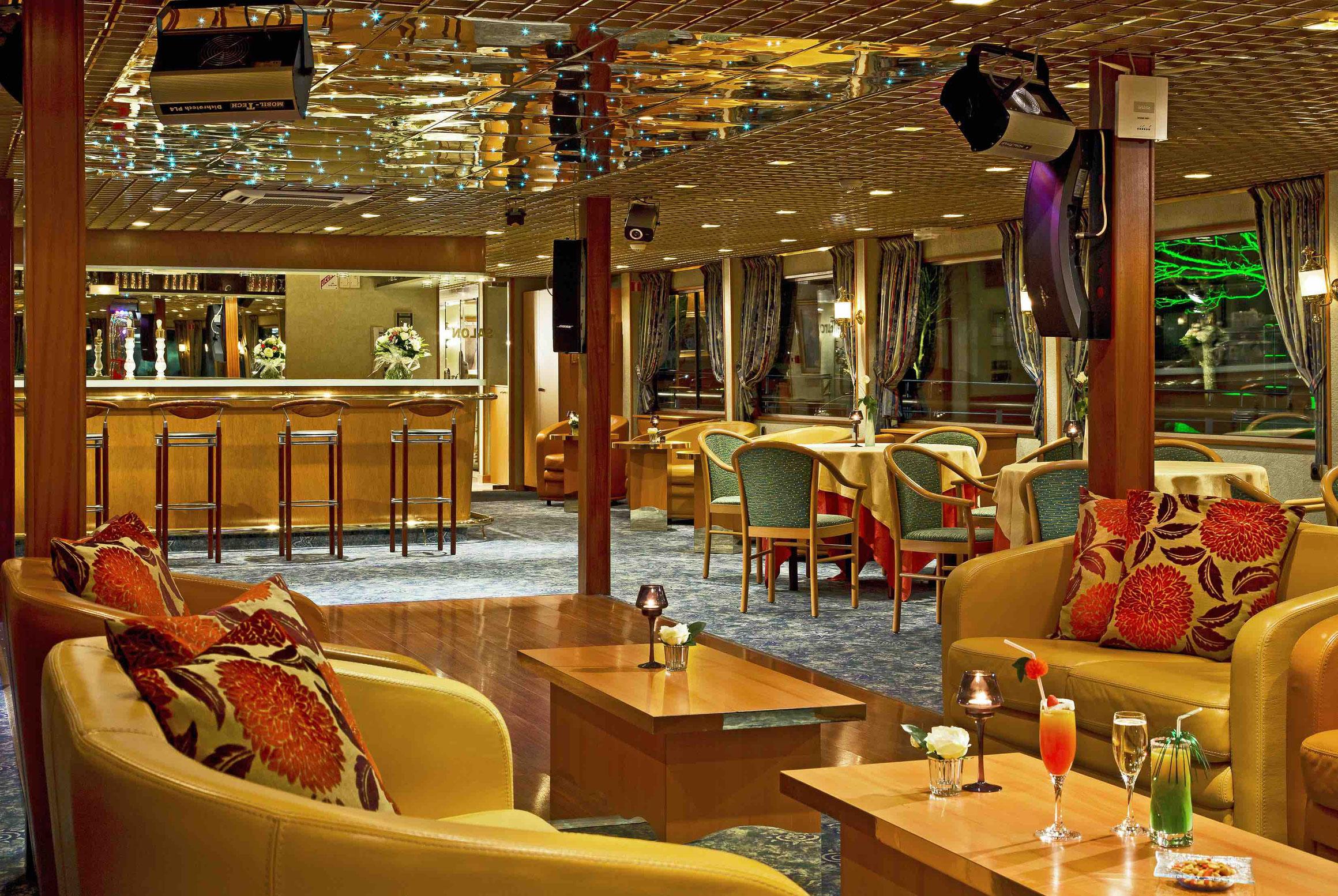 MS Modigliani Salon mit Bar