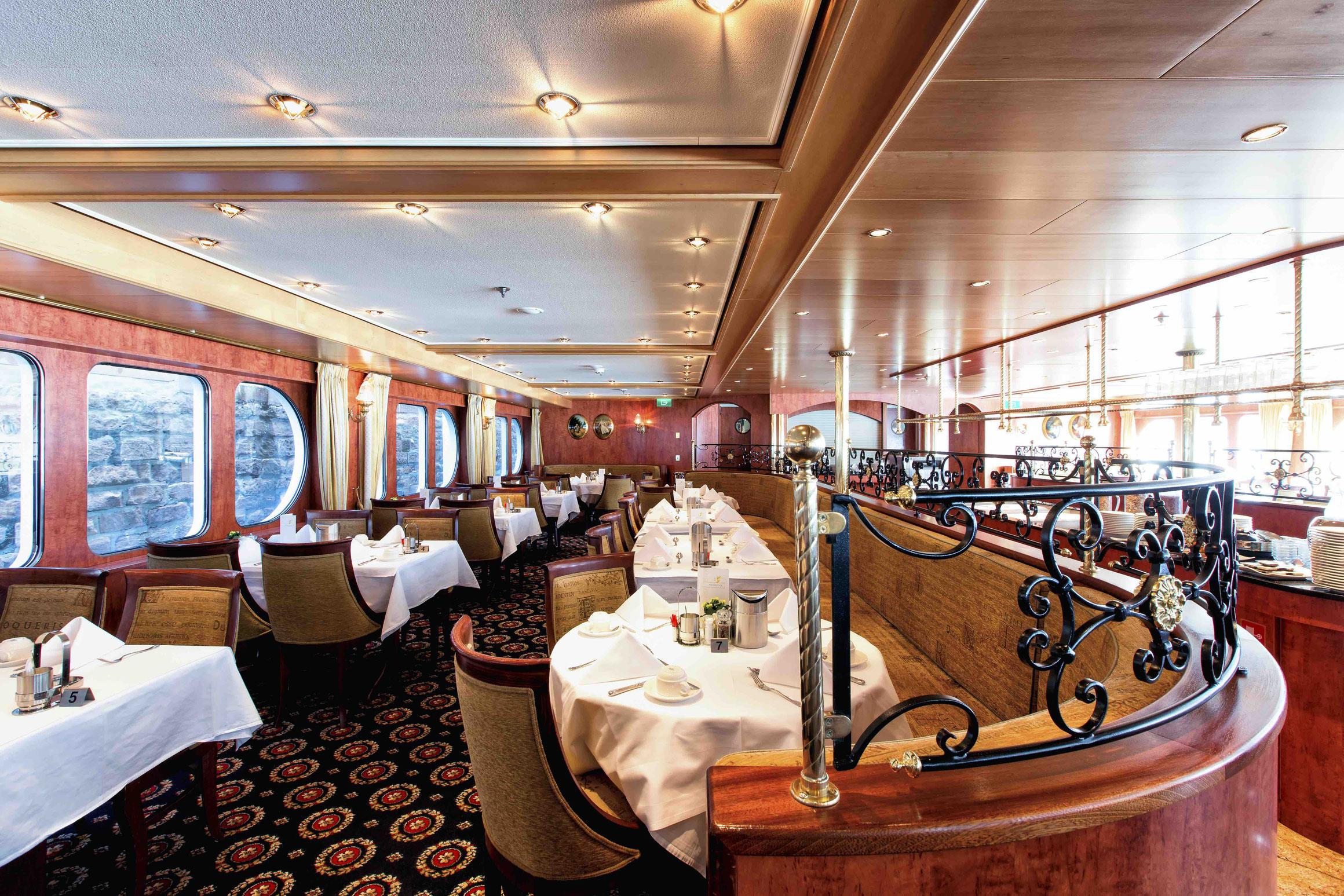 MS Swiss Gloria Panorama Restaurant