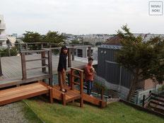 木製階段、ハードウッド、ウッドデッキ、傾斜地、施工例