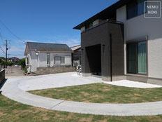 コンクリート舗装、駐車場、表札、ポスト、カーポート、バイクガレージ、施工例