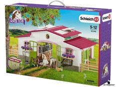 """Bei der Bestellung im Onlineshop der-Wegweiser erhalten Sie das Schleich Paket 42344 """"Reiterhof""""."""