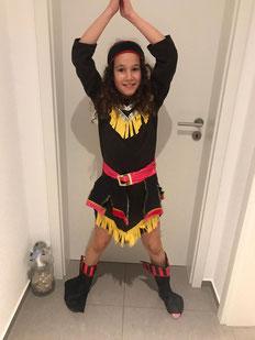 Melanie Gjugja als Sieger der Hampelmann-Challenge