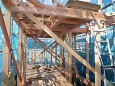 無垢の木でつくる 台東区 木造3階建て耐火建築物 野地板工事画像1