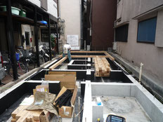 台東区 木造3階建て耐火建築物 土台引き画像1