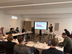 Prof. Dr. Michael Vilain berichtet über Veränderungen im Fundraising bei der Jahrestagung der EKD-Gliedkirchen | Foto: IZGS