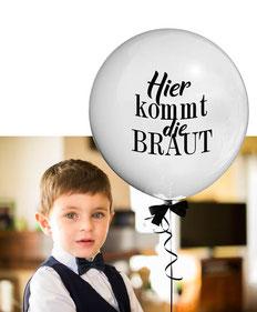 Bubble Ballon Luftballon Brautmädchen Mädchen Junge Hochzeit Braut Geschenk beschriftet Helium Heliumballon personalisiert individuell Namen Versand Wunschbubble Hier kommt die Braut Brautjunge