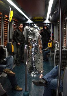 La cape d'invisibilité, 2009-2010