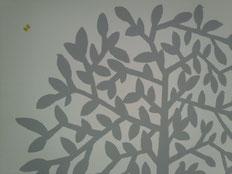 11.29 松屋銀座のミナペルホネン。ひっそり静かな階段側の壁に大きな絵。6月の事。