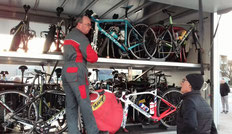 8h du mat': les vélos prêts pour le voyage...!