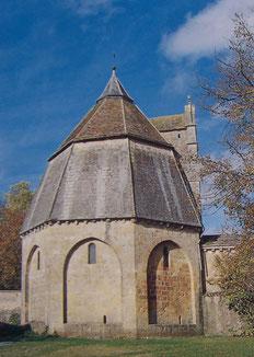 Chapelle funéraire octogonale de la Maison Dieu de Montmorillon