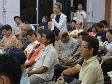 講演会では質疑応答も行われた=10日夜、大川公民館