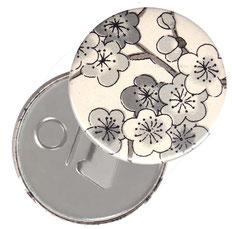 Flaschenöffner  Flaschenöffner-Rückseite mit Neodym-Magnet  59 mm  ,Kirschblüten schwarz auf  beige