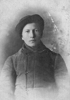 Степан Максимович, 18 лет