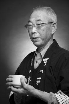 "<img src=""man.jpg"" alt=""高橋藤一氏""/>"