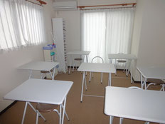 こんな場所で勉強してみたいWhite classroom