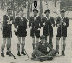 Die Mannschaft des GAK um 1926 (Pfeil: Arnoldi)