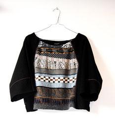 ein schwarzes oberteil aus walk und pullover upcycling