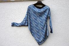asymmetrisches oberteil aus Jersey Stoffresten in blua gemustert upcycling