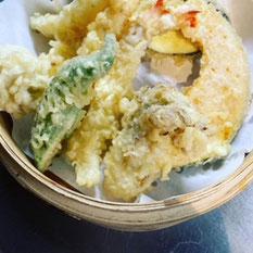 素材のうま味を閉じこめた熱々サクサクの天ぷら