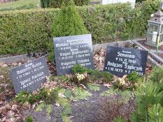 Grabanlage für den sowjetischen Kriegsgefangenen Semenow und sechs Zwangsarbeiter aus Polen und der Sowjetunion. Foto: M. Quelle