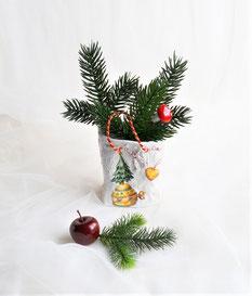 Keramiktüte mit Weihnachtsmotiven
