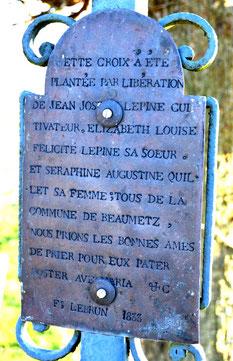 L'inscription sur la plaque de cuivre