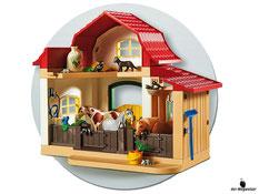 Besonderheiten im Playmobil Paket 6927 ist der Stall mit Türen zum öffnen und schliesse und mit Gatterzaun der flexibel aufgebaut werden kann