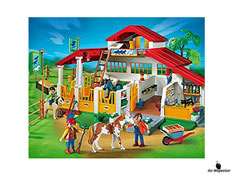 Besonderheiten im Playmobil 4190 Paket ist der sehr schöner farblicher Hof, mit vielen Details.