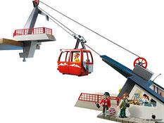 Besonderheiten im Playmobil Paket 5426 ist eine funktionierende Seilbahn mit einer grosser Gondel enthalten.