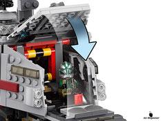 Die Besonderheiten im Lego Paket 75151 sind die 10 drehbaren Räder mit flexibler Aufhängung, rotierende Geschütztürme, federunterstützte Shooter, einen ausfahrbaren Beobachtungsposten, zwei Cockpits und mehrere Seitenwände, die sich herunterklappen lassen