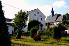 Bild: Teichler Seeligstadt Kirche Feuerwehr