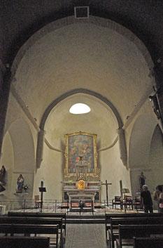 un puits de lumière au dessus du maître-autel