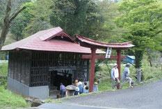 木の宮神社にて彫刻を拝観