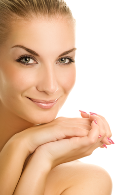 kosmetikstudio-nagelstudio-by-maica-frau-schönheit-nageldesign-kosmetikbehandlung-gesichtsbehandlungen
