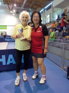 Margit Schieder und Eva Graser beim XI. Tibhar Veterans Cup in Balatonfured.