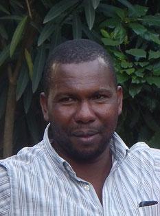 Portrait Safariguide für Tansania - Michael Mollel