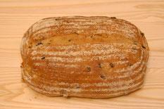 有機山ぶどうのパン ハーフサイズ 340円