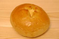 たまねぎパン 140円