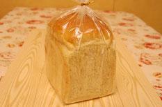 白神食パン 360円