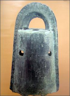 外縁付菱環紐袈裟襷文鐸 静岡天満宮所蔵