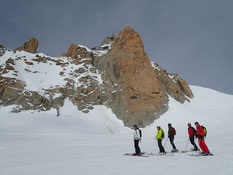 Pause sous la face Sud de l'Aiguille du Midi
