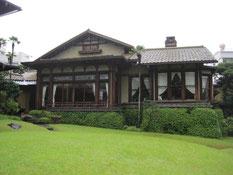 根津嘉一郎が増築した洋館と庭園