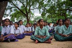 気候変動について学ぶインドの子どもたち。若年層を雇用し、地球温暖化を防止するインドの取り組みに注目です。Photo / Climate Change, Agriculture and Food Security