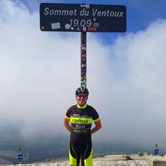 Felix Ster in Frankreich am legendären Gipfel des Mount Ventoux +++